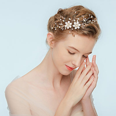 Ladies Unique Alloy Headbands With Rhinestone/Venetian Pearl (Sold in single piece)