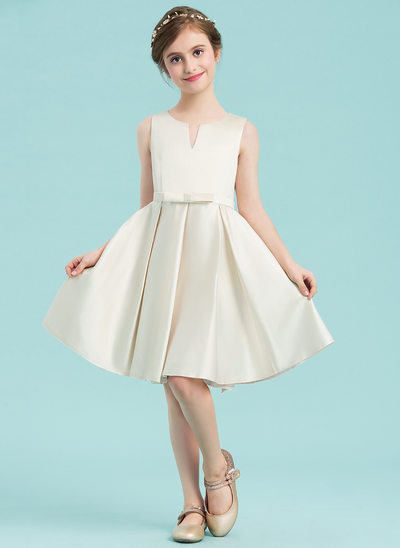 A-Line/Princess Scoop Neck Knee-Length Satin Junior Bridesmaid Dress With Bow(s)