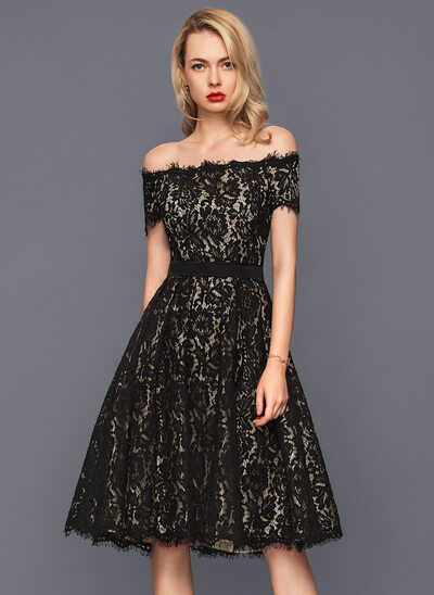 A-Linie/Princess-Linie Off-the-Schulter Knielang Lace Cocktailkleid