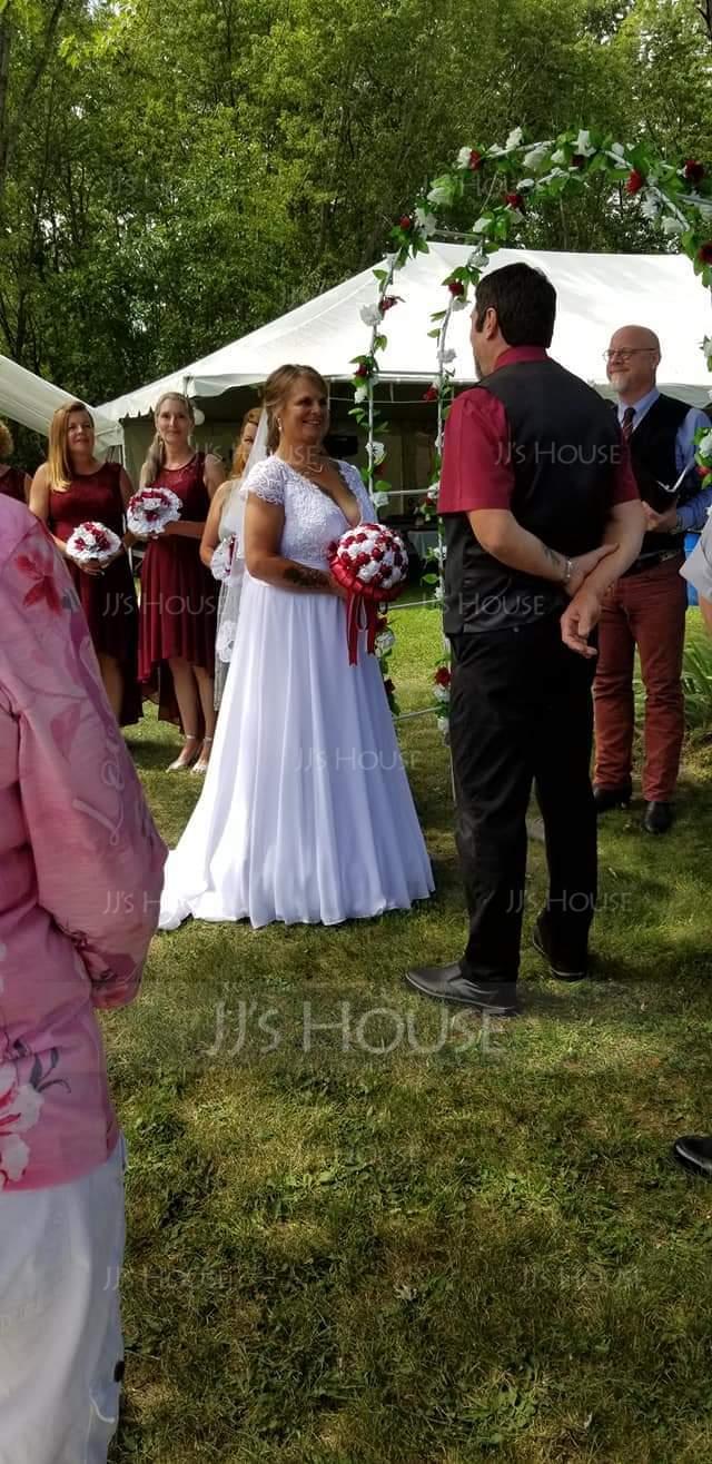 Forme Princesse Col V Balayage/Pinceau train Mousseline Robe de mariée avec Plissé (002134554)