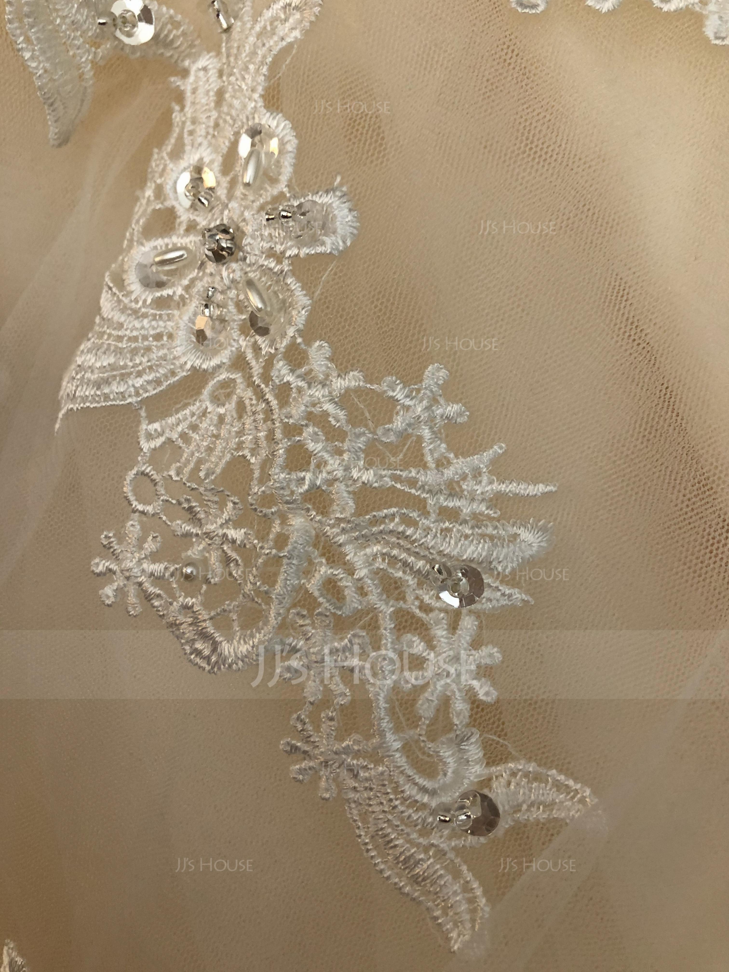 Duchesse-Linie V-Ausschnitt Hof-schleppe Tüll Brautkleid mit Perlstickerei Applikationen Spitze Pailletten Schleife(n) (002071524)